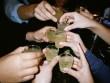 Rượu pha trộn nguy hại bán rẻ hơn nước lã