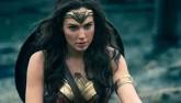 """""""Wonder Woman"""" gây tranh cãi vì... vùng nách quá trắng"""