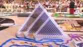 Kỉ lục thế giới mới với 250.000 viên domino đổ đồng loạt
