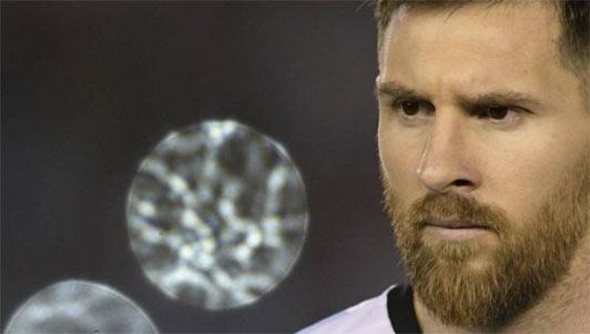 """Messi và nỗi đau """"ế cúp"""": Phát ghen với Ronaldo, Suarez"""