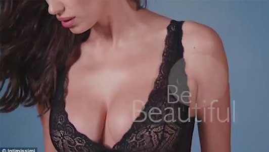 Irina Shayk bầu bí vẫn sexy ngất người quảng cáo nội y