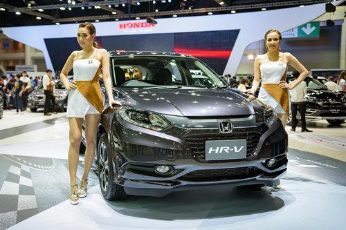 Triển lãm ô tô lớn nhất Đông Nam Á 2017 sắp khai mạc - 2