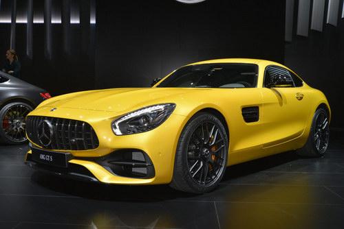 Mercedes-Benz ra mắt dòng AMG GT 2018