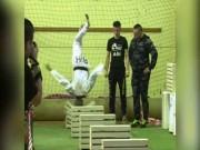Thể thao - Cao thủ võ lâm 16 tuổi thi triển kungfu chưa từng có