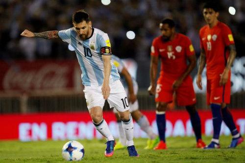 """Lên núi, Messi và ĐT Argentina """"đối mặt"""" với ác mộng"""