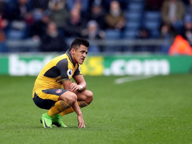 """Arsenal cần 10 Sanchez để """"độc cô cầu bại"""", Ozil nên bán"""