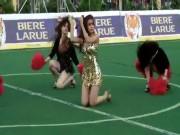 Ca nhạc - MTV - Hoàng Thùy Linh và dàn mỹ nhân cứ ra sân là khiến fan điêu đứng