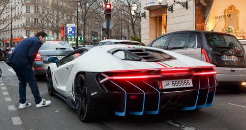 """Bắt gặp Lamborghini Centenario mang biển """"lục quý 6"""" siêu độc - 2"""