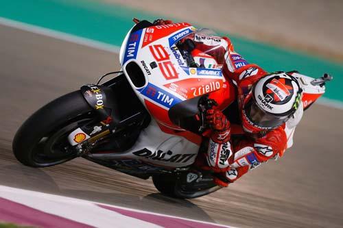 MotoGP: Thủy chiến, tân binh làm bẽ mặt mọi cựu vương