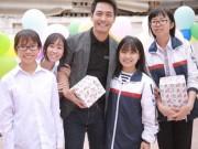MC Phan Anh mang niềm vui đến với các em nhỏ Điện Biên