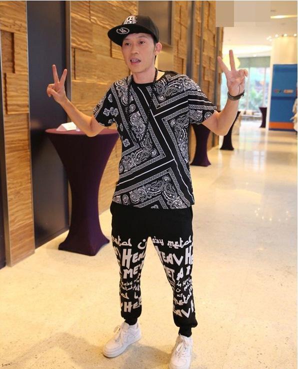 """Thời trang: Hết hồn ngắm Hoài Linh nhắng nhít gu thời trang """"hồi teen"""""""