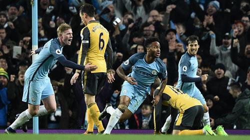 """Arsenal đấu Man City: Canh bạc """"cuộc đời"""" của Wenger - 1"""