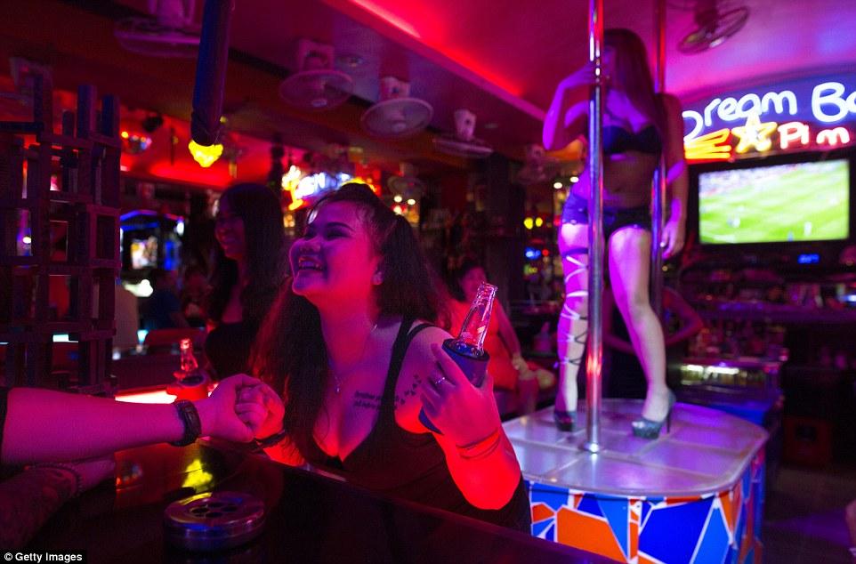 """10 điều không thể bỏ lỡ khi tới """"thiên đường sung sướng"""" Pattaya - 2"""