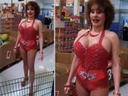 """Bắt gặp những hình ảnh  """" quái dị """"  ở trong siêu thị"""