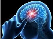 Tin tức sức khỏe - Nặng đầu, đau đầu, mất ngủ khi huyết áp cao: Cảnh báo tai biến