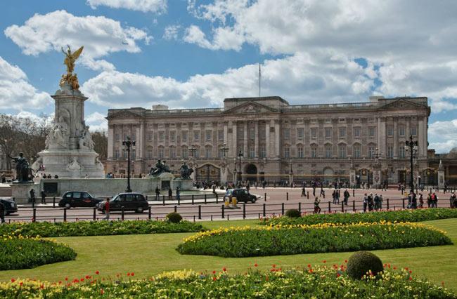 """14 công việc trong gia đình Hoàng gia Anh được trả mức lương """"trên trời"""" - 3"""