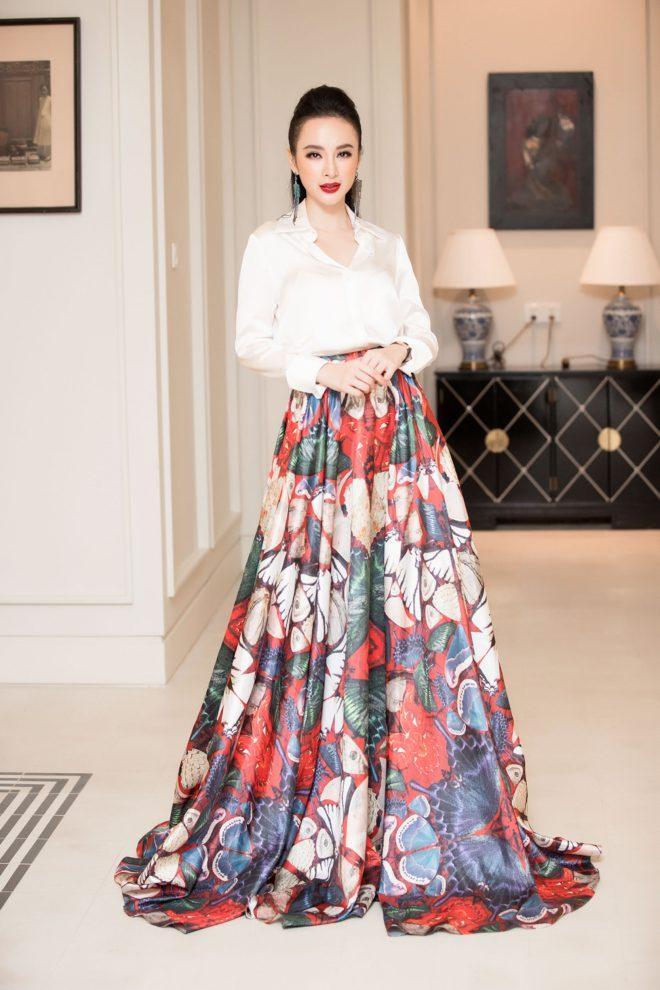 Angela Phương Trinh bất ngờ diện trang phục kín đáo đón năm mới tại Đà Nẵng - 4