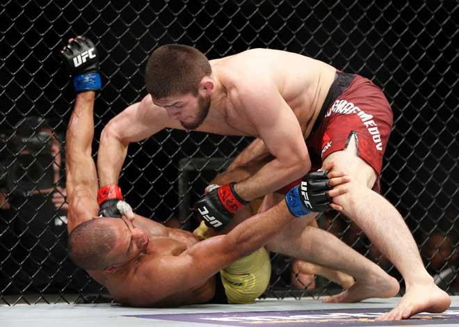 """""""Đại bàng"""" UFC, 9 tuổi đấu gấu: Thắng liền 25 trận, khinh rẻ McGregor 1"""