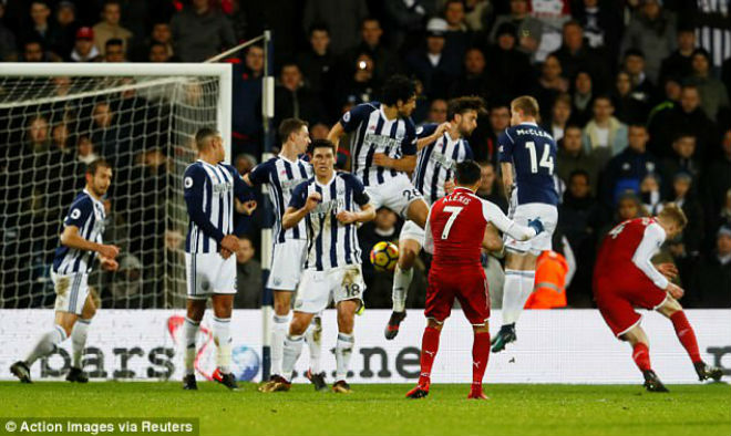 "Man City: Mất ""Tiểu Neymar"" 2 tháng, bất an với De Bruyne, Pep săn Sanchez 3"