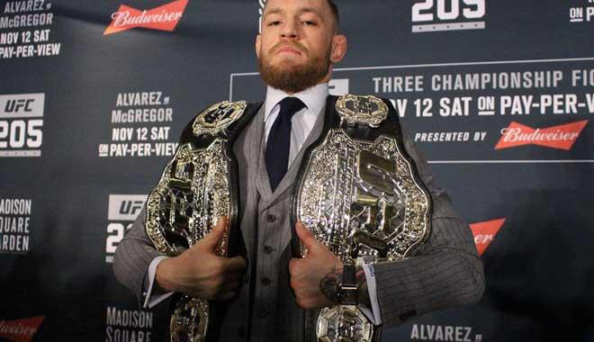 """""""Đại bàng"""" UFC, 9 tuổi đấu gấu: Thắng liền 25 trận, khinh rẻ McGregor 3"""