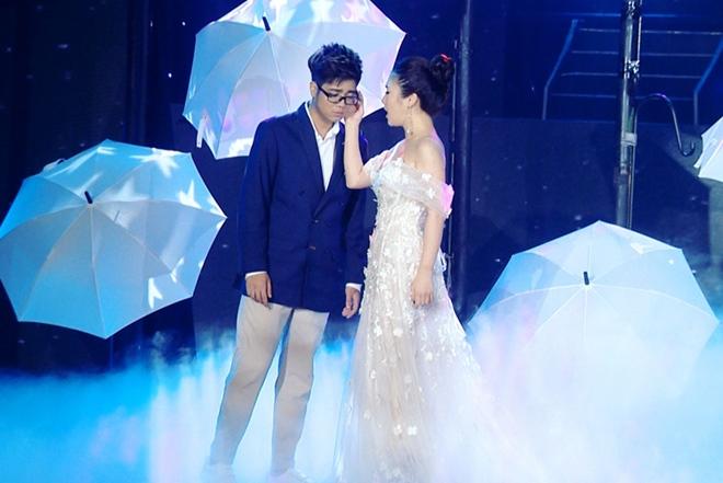 """Angela Phương Trinh tránh mặt Chiêm Quốc Thái: Sao """"đụng"""" tình cũ sẽ ra sao? - 11"""