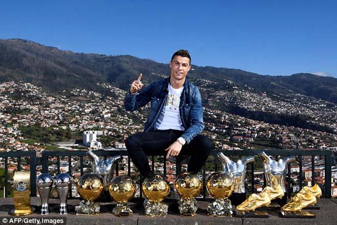 """Real loạn lạc: Ronaldo yêu sách """"trảm"""" 4 SAO, cấm cửa Neymar"""