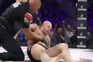 Võ đài MMA: Những kẻ vào sinh ra tử bằng nắm đấm 3
