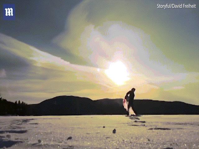 Canada: Hất xô nước sôi lên trời, đóng băng toàn bộ ngay lập tức