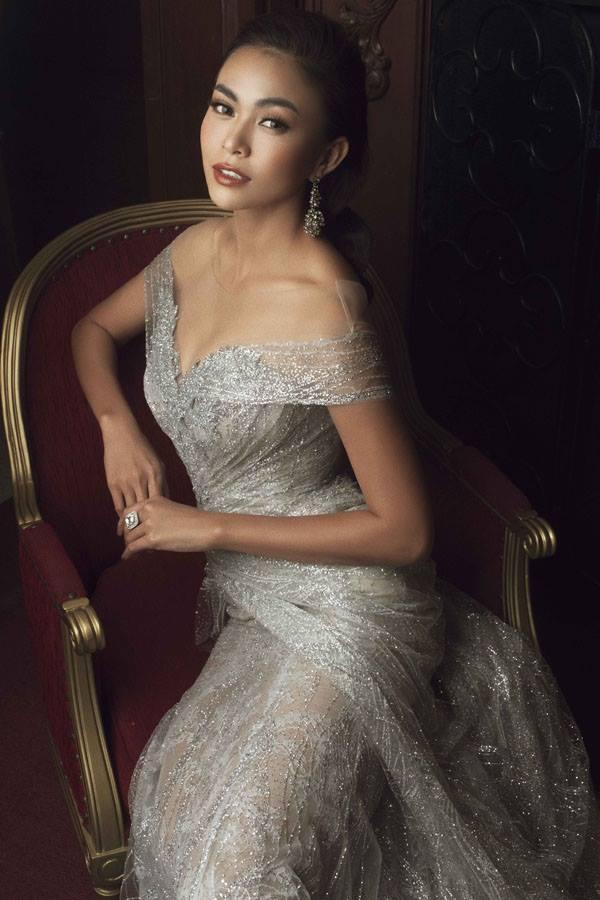 Top 45 Hoa hậu Hoàn vũ gây chú ý với ảnh trang phục dạ hội - 1