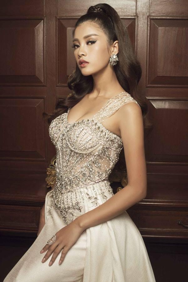 Top 45 Hoa hậu Hoàn vũ gây chú ý với ảnh trang phục dạ hội - 14