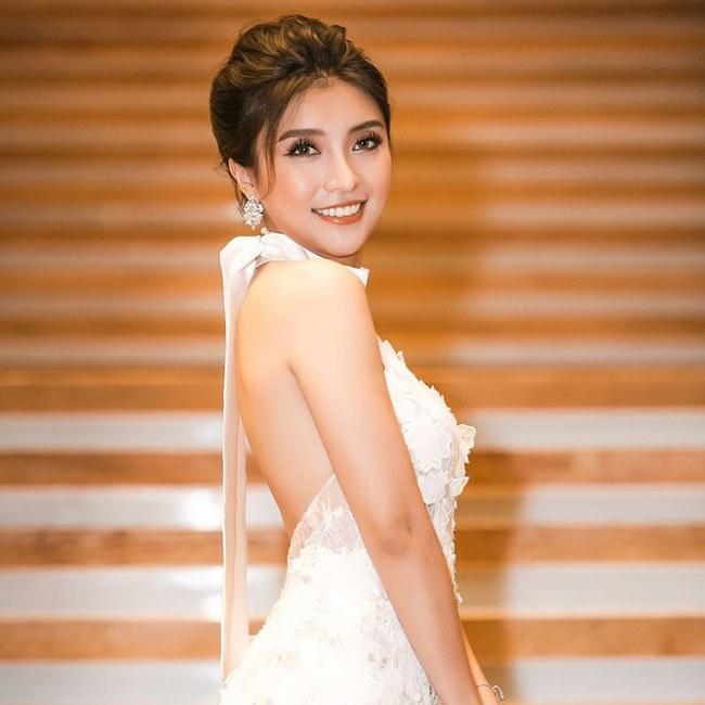"""Tư thế kim cương giúp """"cháu gái Lam Trường"""" ngày càng xinh đẹp - 1"""