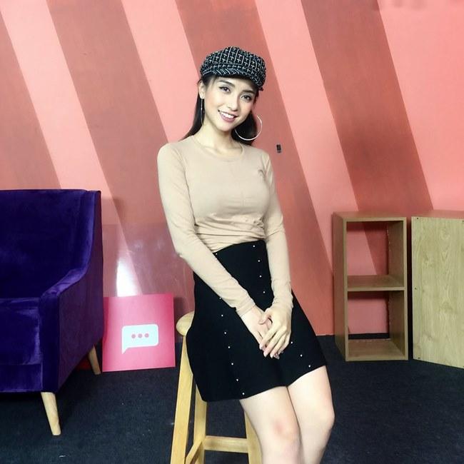 """Tư thế kim cương giúp """"cháu gái Lam Trường"""" ngày càng xinh đẹp - 9"""