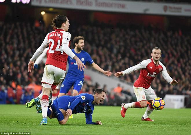 """Arsenal thoát thua Chelsea: Wenger bực trọng tài, Conte """"phát điên"""" vì Morata 1"""