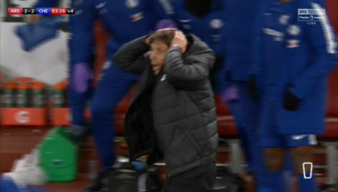 """Arsenal thoát thua Chelsea: Wenger bực trọng tài, Conte """"phát điên"""" vì Morata 6"""