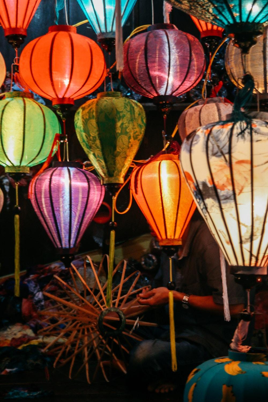 """""""Nức lòng"""" nghề làm đèn lồng ở phố cổ Hội An được báo Tây khen hết lời - 10"""