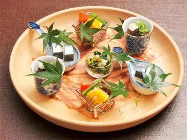 Nhờ bán...lá cây, các cụ bà Nhật Bản kiếm được 52 tỷ đồng/năm - 9