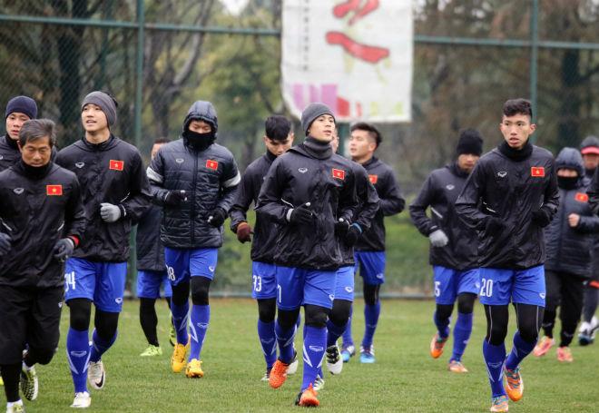 """U23 Việt Nam luyện công khí thế, thời tiết ủng hộ, nhận """"món quà"""" bất ngờ - 3"""
