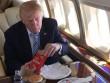 Tổng thống Mỹ Trump thích đồ ăn nhanh vì lo bị đầu độc?