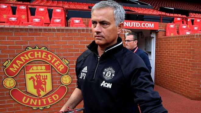"""Mourinho chửi xéo Conte, Pep: Quẫn trí """"làm liều"""" hay có chủ đích? 3"""