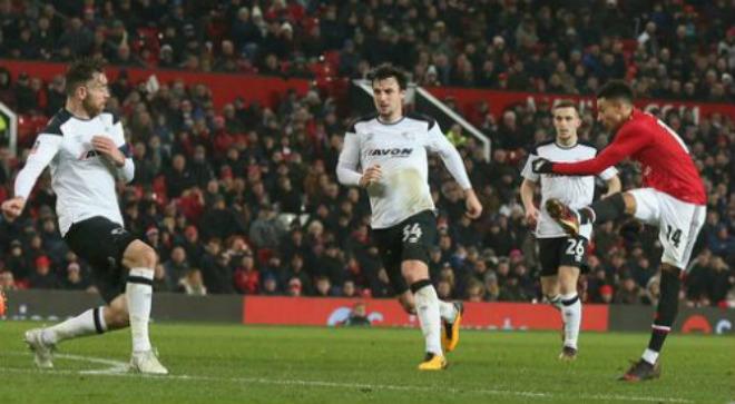 """MU thoát vận đen: Lingard như Messi, Mourinho """"đá xoáy"""" Conte bán độ - 1"""
