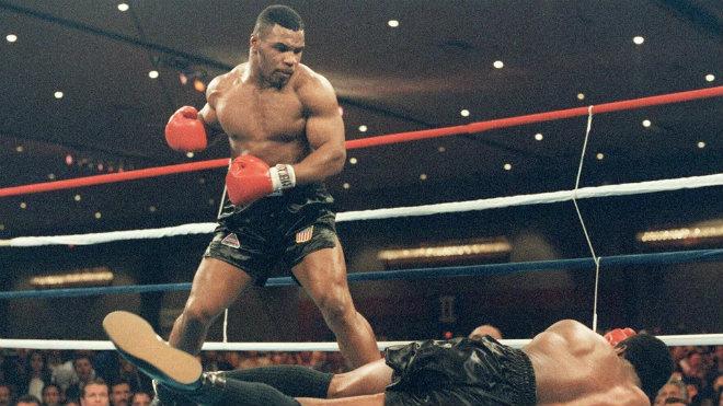 """""""Quái thú"""" boxing 2m13, 145 kg: 2 lần khiến Mike Tyson chạy """"mất dép"""" 2"""