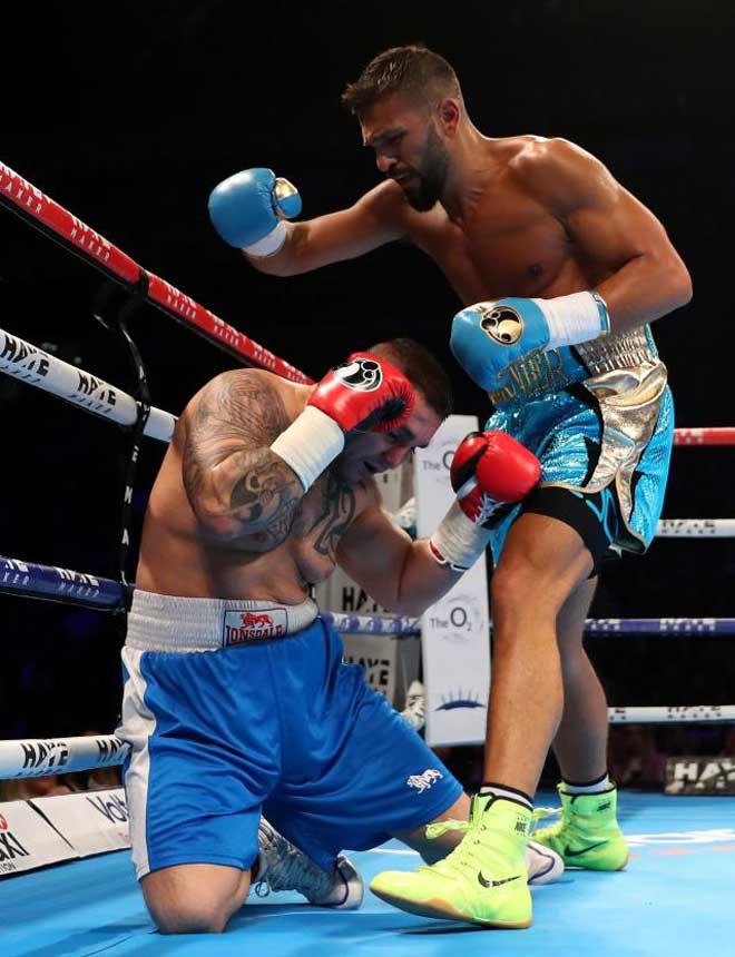 Triệu phú béo 105kg cặp Paris Hilton: Bất bại boxing, đoạt đai vô địch - 3