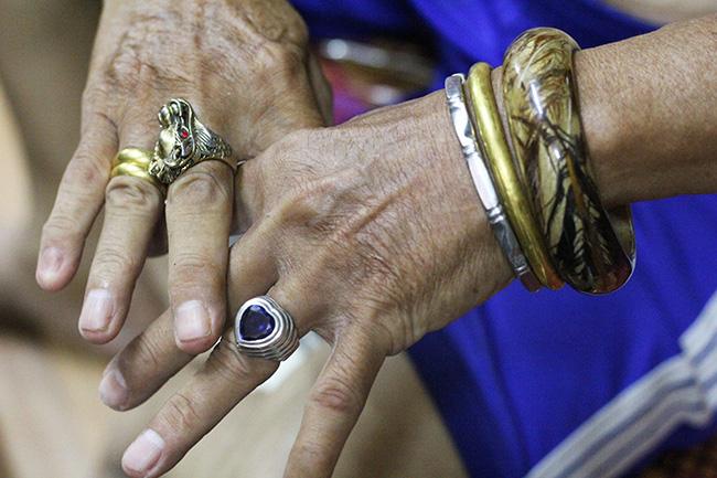 """""""Vua Bolero"""" Vinh Sử: Tuổi 75 một mình sau 3 đời vợ, thu nhập trăm triệu đồng một tháng - 8"""