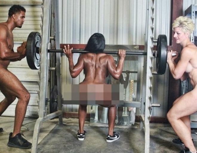 """Nam nữ tập gym không quần áo """"cấm nhìn, cấm nhầm"""": Chơi trội nhất thế giới 1"""