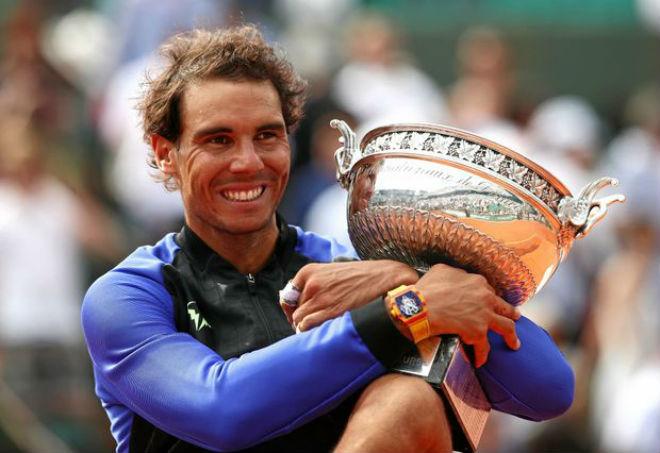 "Tennis 24/7: Federer ""cặp kè"" Sharapova, săn 2 kỷ lục ở Australian Open 2"