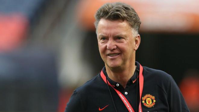 Tin HOT bóng đá tối 8/1: Van Gaal chỉ trích MU thậm tệ 1