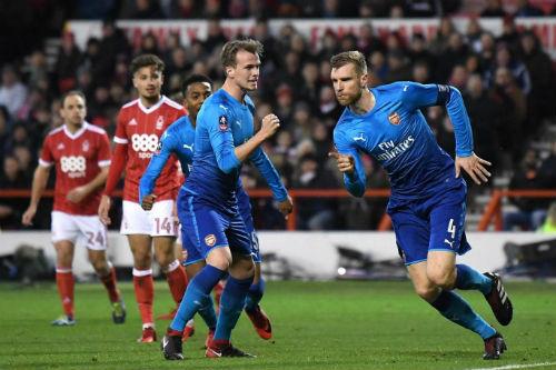 Chi tiết Nottingham - Arsenal: Walcott dứt điểm vô vọng (KT) 20