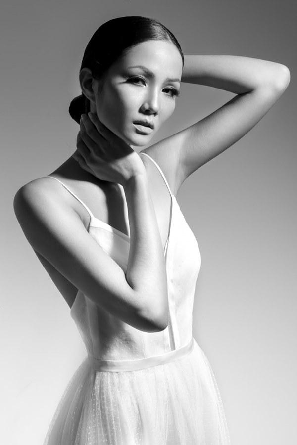 Tân Hoa hậu Hoàn vũ Việt Nam thuở tóc dài xinh như búp bê - 12