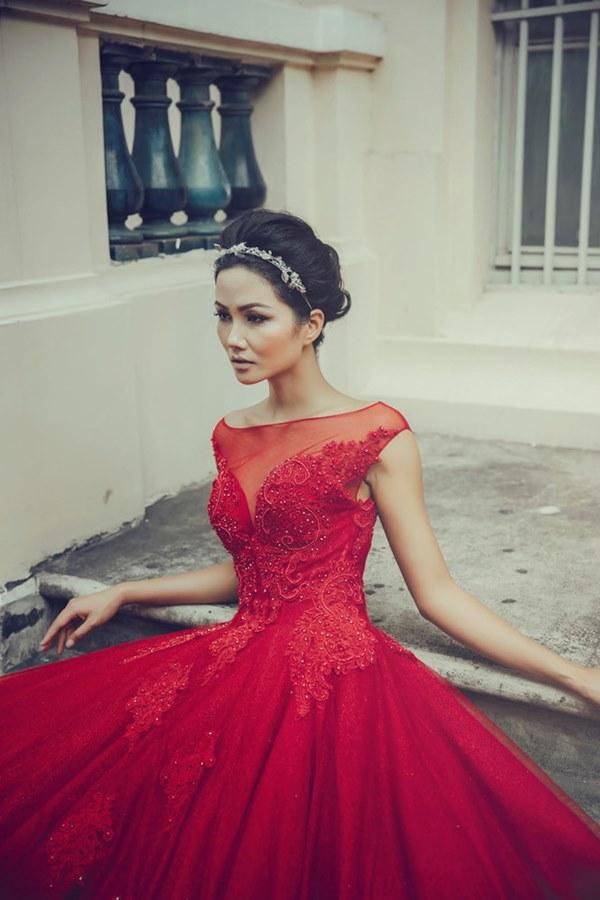 Tân Hoa hậu Hoàn vũ Việt Nam thuở tóc dài xinh như búp bê - 10