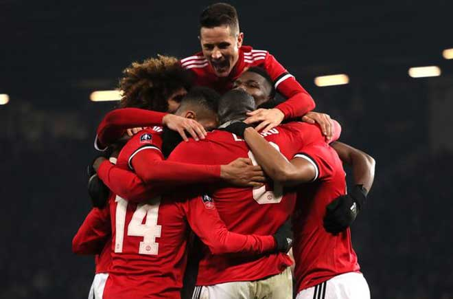 Tin HOT bóng đá tối 9/1: Kane ủng hộ Coutinho đến Barca 3